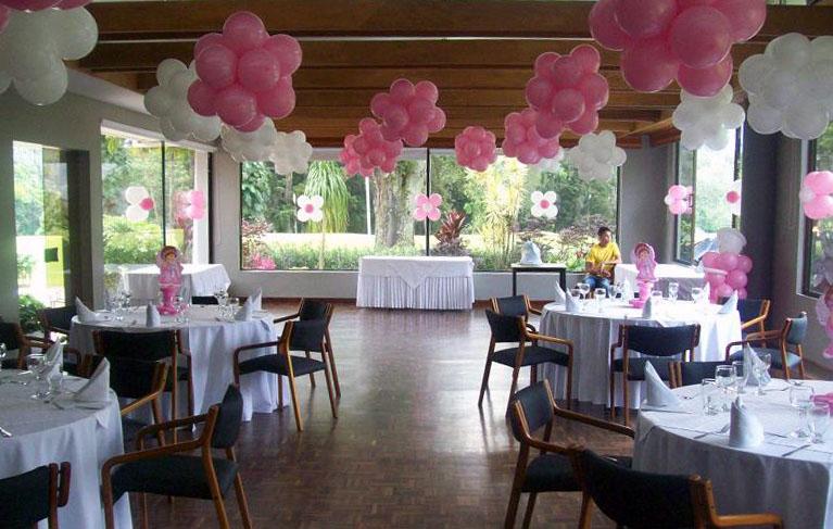 Decoracion con globos en el techo for Decoracion draibol techos